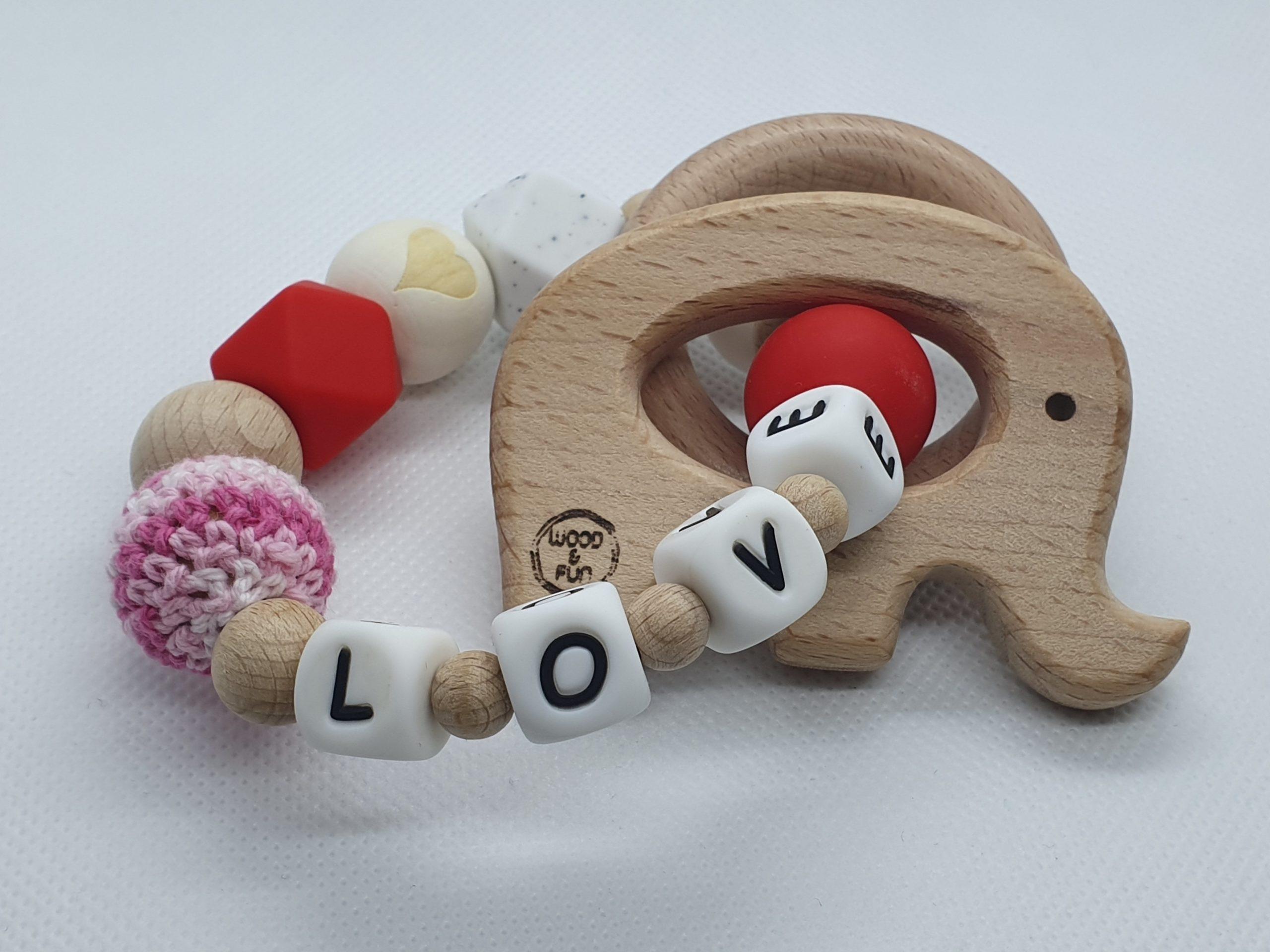 baby cadeau met naam-kraamcadeau met naam-bijtring met naam-Wood & Fun