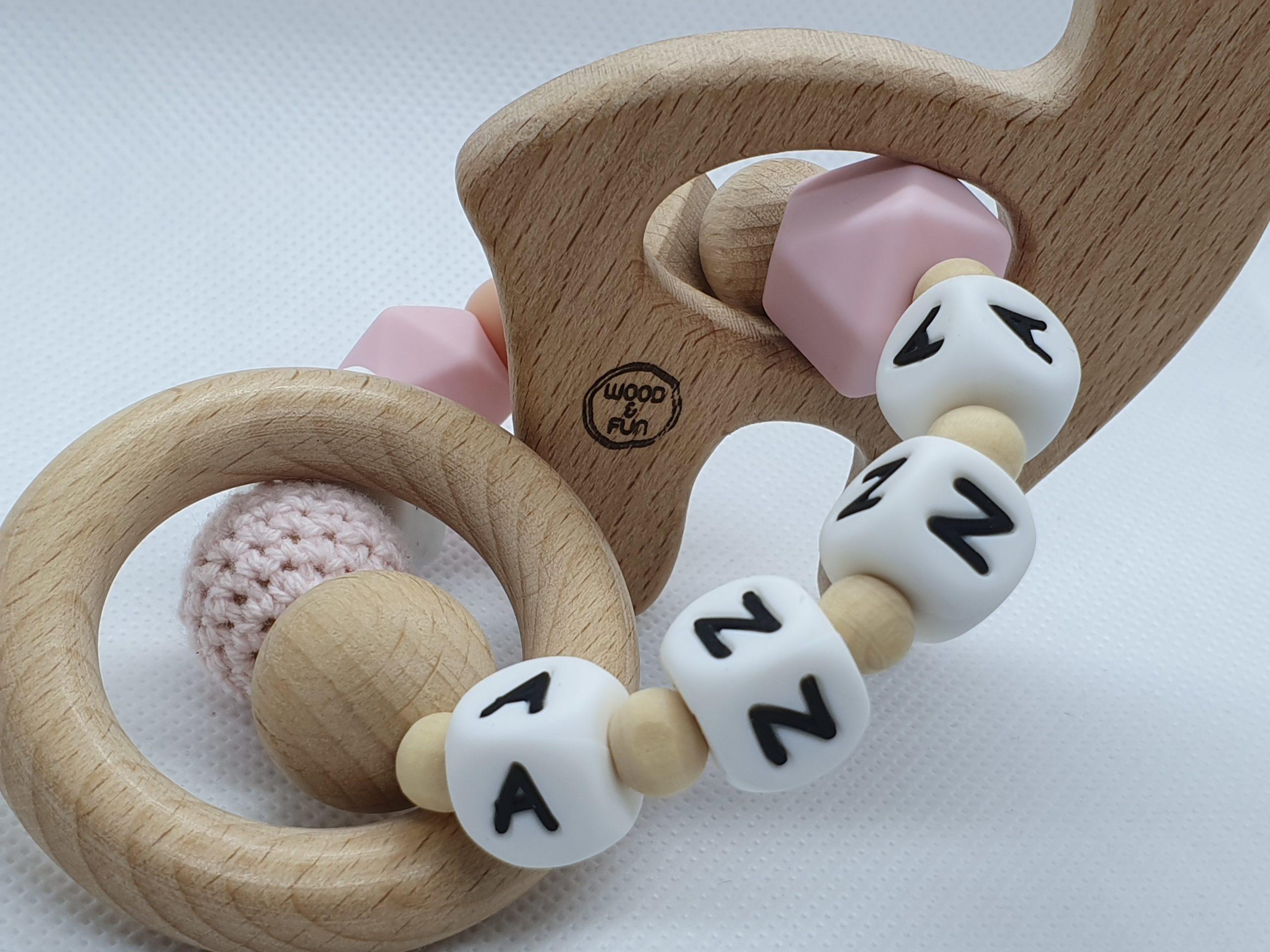 """Geboortecadeau met naam - Bijtring met naam-Bijtring naam-design """"Anna""""-Wood & Fun"""