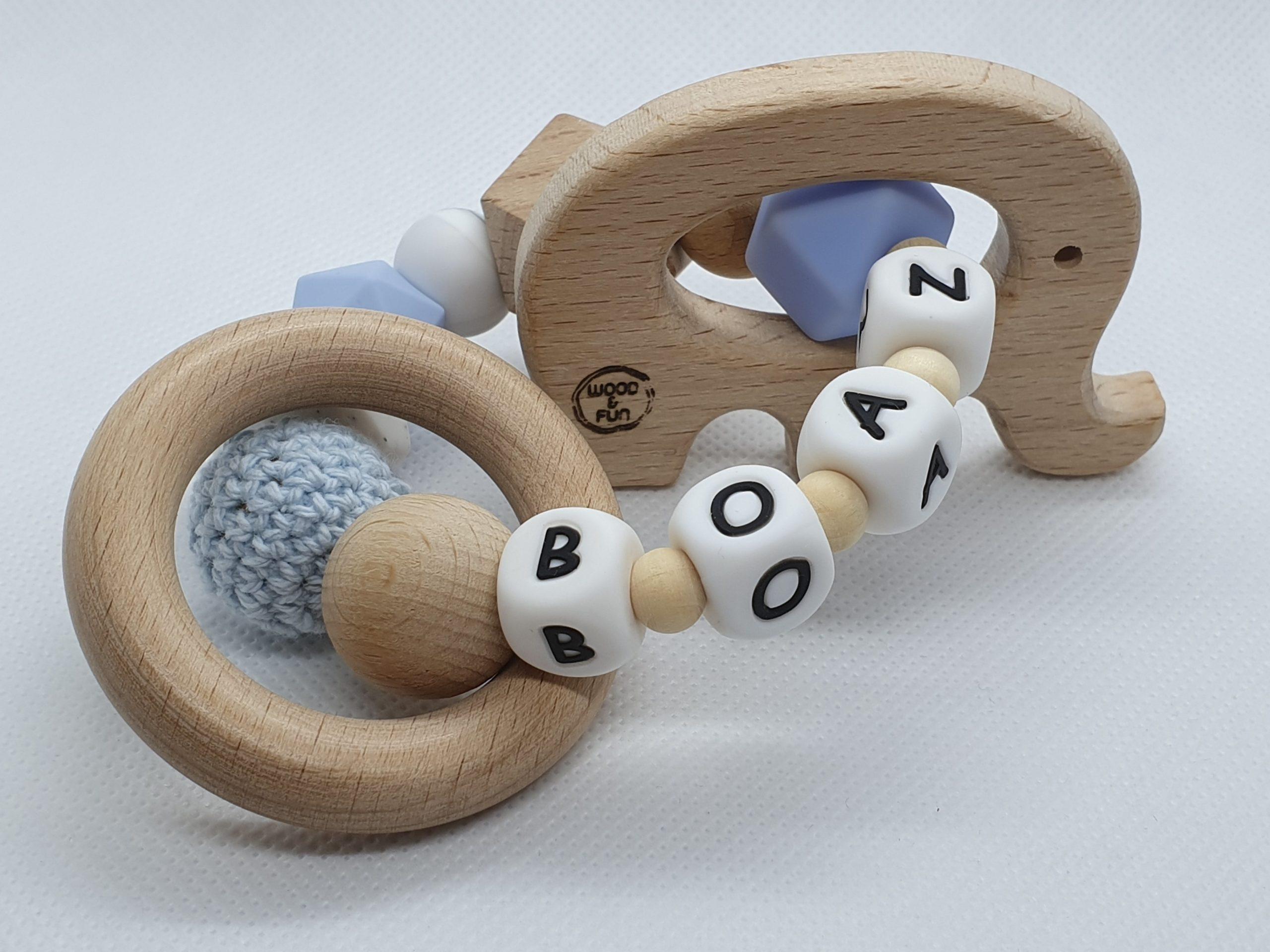 """Kraamcadeau naam - Bijtring met naam-Bijtring naam-design """"Boaz""""-Wood & Fun"""